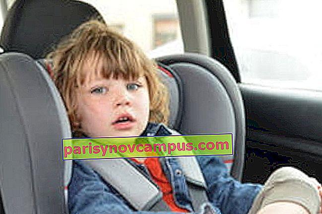 Il bambino in macchina: quanti anni ha un rialzo o un ...